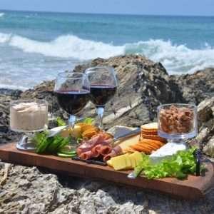 piatto formaggi vini salumi