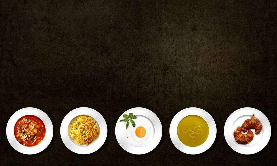 piatti cibo vari